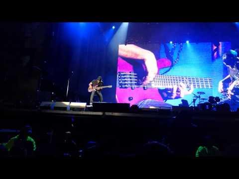 Metallica bass solo- motorbreath, Lollapalooza Chile 2017