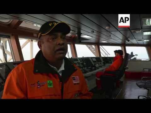 Malaysian ship arrives with Rohingya aid
