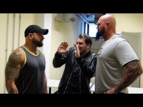 MI VOLEVANO PICCHIARE IN 2 MA POI... - WWE Rome 2017