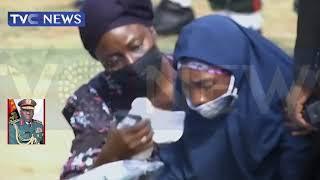 Wife Of Chief Of Army Staff, Fati Attahiru Breaks down In Tears As She Pays Last Respect To Husband