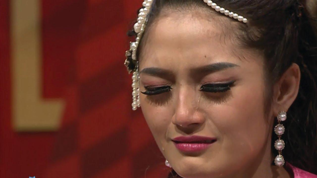 Siti badriah nangis ditelpon fahmi mantan pacar di depan for Siti di collezionismo