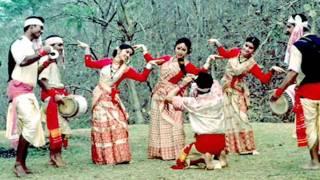 Jhum Jhum Knye Nacho. Bengali Folk Song