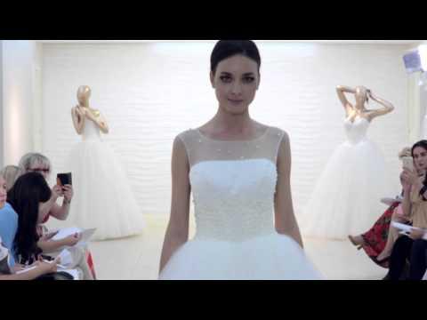 Закритий показ нової колекції весільних суконь OKSANA MUKHA