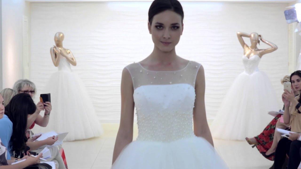 Закритий показ нової колекції весільних суконь OKSANA MUKHA - YouTube b1e358fa99931