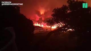 Au Portugal, les flammes d'un feu de forêt encerclent le village de Monchique