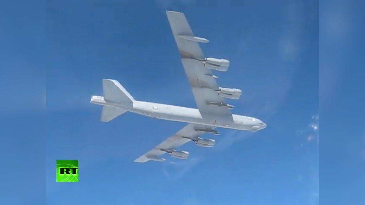 Су-27 сопроводили американский бомбардировщик B-52