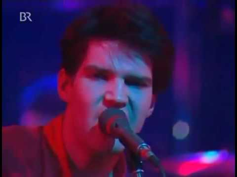 Lloyd Cole and The Commotions - Charlotte Street (Live)