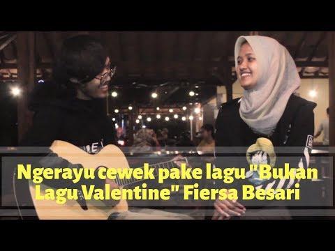Cover Lagu Fiersa Besari - Bukan Lagu Valentine (by Anjar Boleaz)
