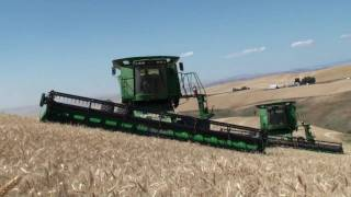 John Deere STS combines equipped with Hillco Hillside Leveling Systems
