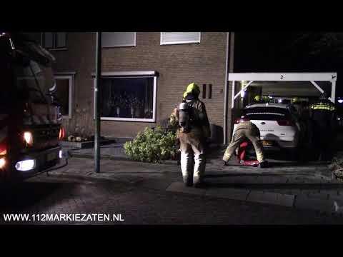Middelbrand voor brand in garage naast woning in Tholen