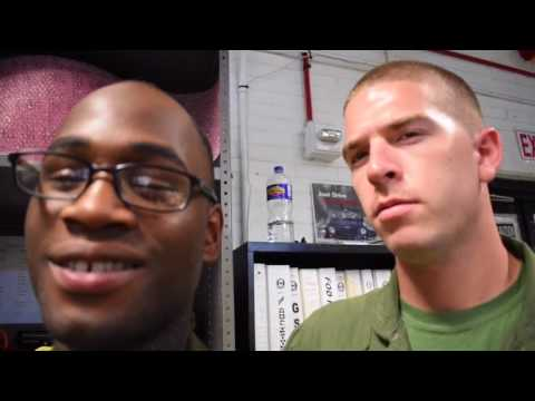 😂😱FUNNY PRANK ON FRIEND WITH 8 DAYS LEFT IN MARINE CORPS😂😱