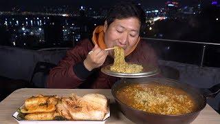 한국에서 가장매운라면! [[틈새라면(The most spicy instant noodles)]]  먹방!! - Mukbang eating show
