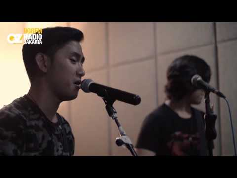 Kanda Brothers - Versace On The Floor (Cover) Live On LIVE N LOUD
