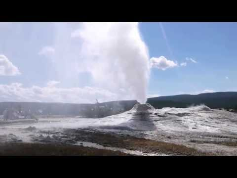 Yellowstone National Park - Lion Geyser / イエローストーン - ライオンガイザー