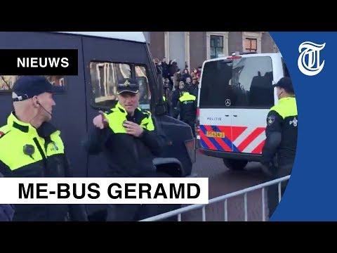 Sint-intocht: Grimmige sfeer in Leeuwarden