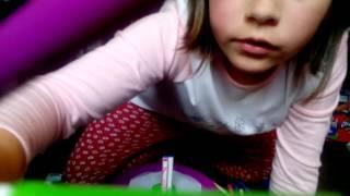 Toy review!!!!!!!!!cra-z-spiro spinner!!!!