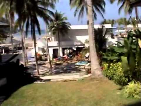 Copy of Boxing Day Tsunami in Thailand.....unedited full footage shot at Racha Resort