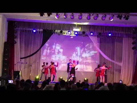 Нереально крутой танец на студенческую весну, зал аплодировал стоя!