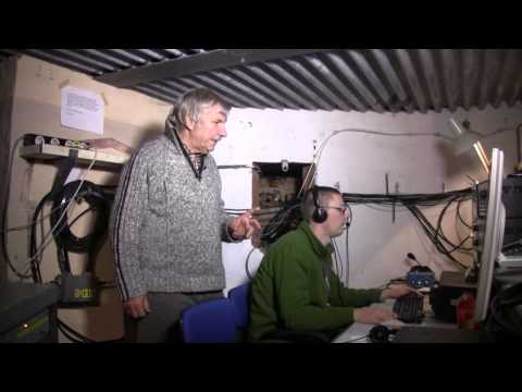 OT5A, a guided tour of the 80-meter band ham radio station