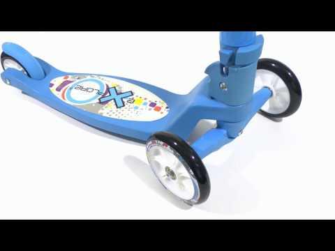 Синий детский самокат трехколесный от 2 лет. С поворотным механизмом
