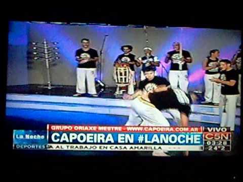 ASOC. ARG. DE CAPOEIRA GRUPO ORIAXE EN C5N 5 DE ENERO 2014 parte 2