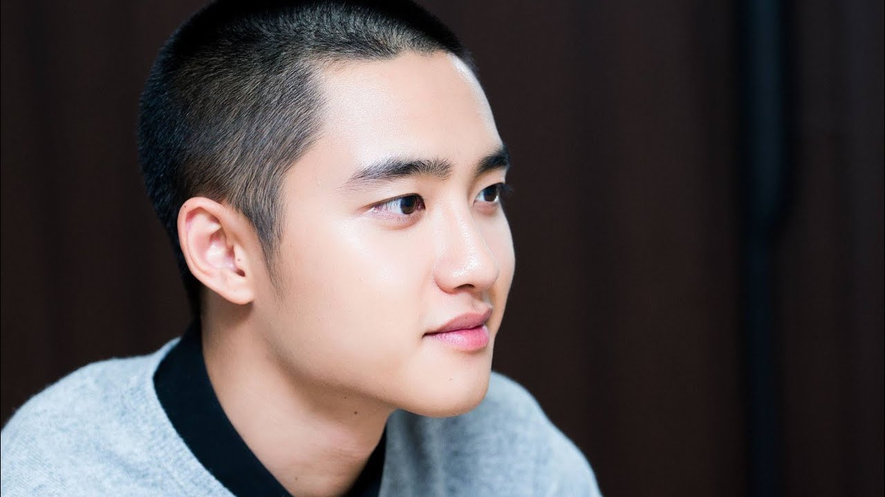 D.O TO BE THE 2ND EXO MEMBER TO ENLIST THIS YEAR!