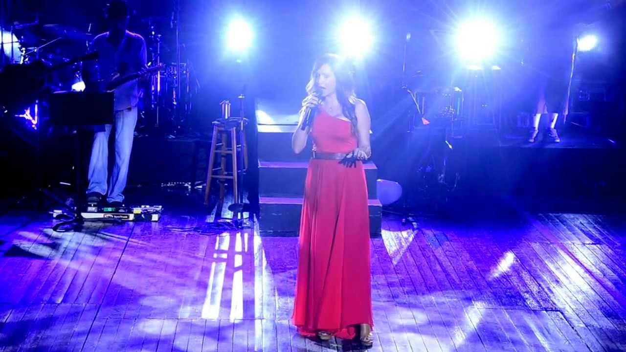 Άννα Βίσση - Η Πιο Μεγάλη Απάτη Είναι Ο Έρωτας, Άννα Με Πάθος Tour, Λάρνακα (29/07/2013)