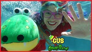 Outdoor Pool Toy Hunt and Race Swimming Gus the Gummy Gator vs. Rainbow