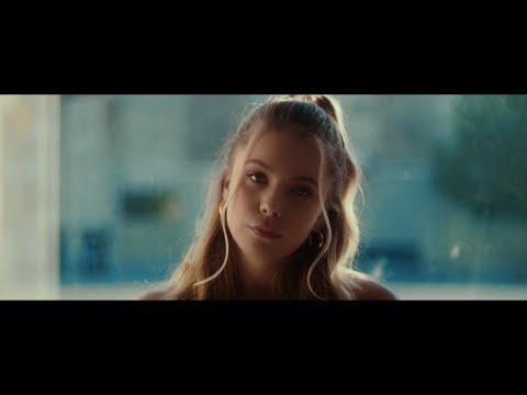 Смотреть клип Avonlea - Big Kid