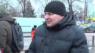 У Львові проводять ямковий ремонт з використанням холодного асфальту