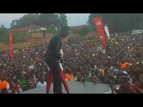 Mana weee Meddy Noneho nawe nureba iyi Video ya Rubavu irakuriza pe!