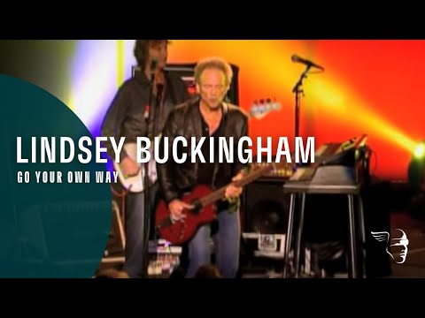 Flashback: Lindsey Buckingham Plays a Blistering 'Go Your Own Way' in 2011