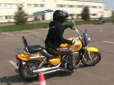 Motoros vezetéstechnikai tréning (Hatvan)