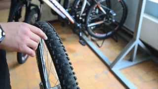 Обзор герметика Joes' no flats для велосипеда(Герметик для велосипедных колес Joes' no flats, небольшой обзор и тест., 2015-09-08T17:39:48.000Z)