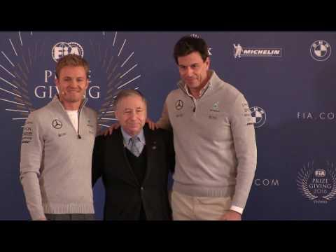 Nico Rosberg erklärt im Rahmen der FIA-Pressekonferenz in Wien seinen Rücktritt