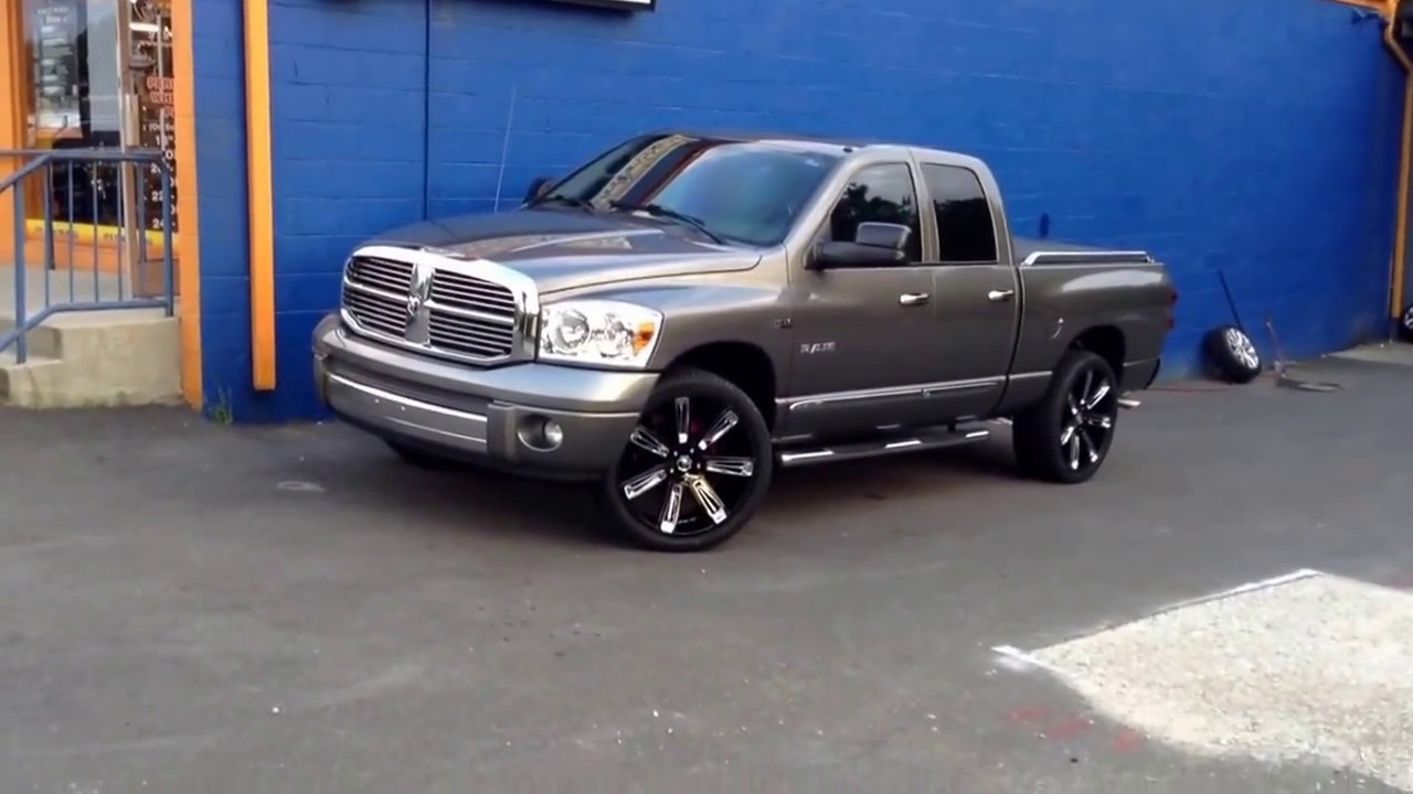 2015 Dodge Ram Sitting On 24 Diablo Rogue Black And Chrome Wheels And 305 35 24 Lexani Tires Youtube