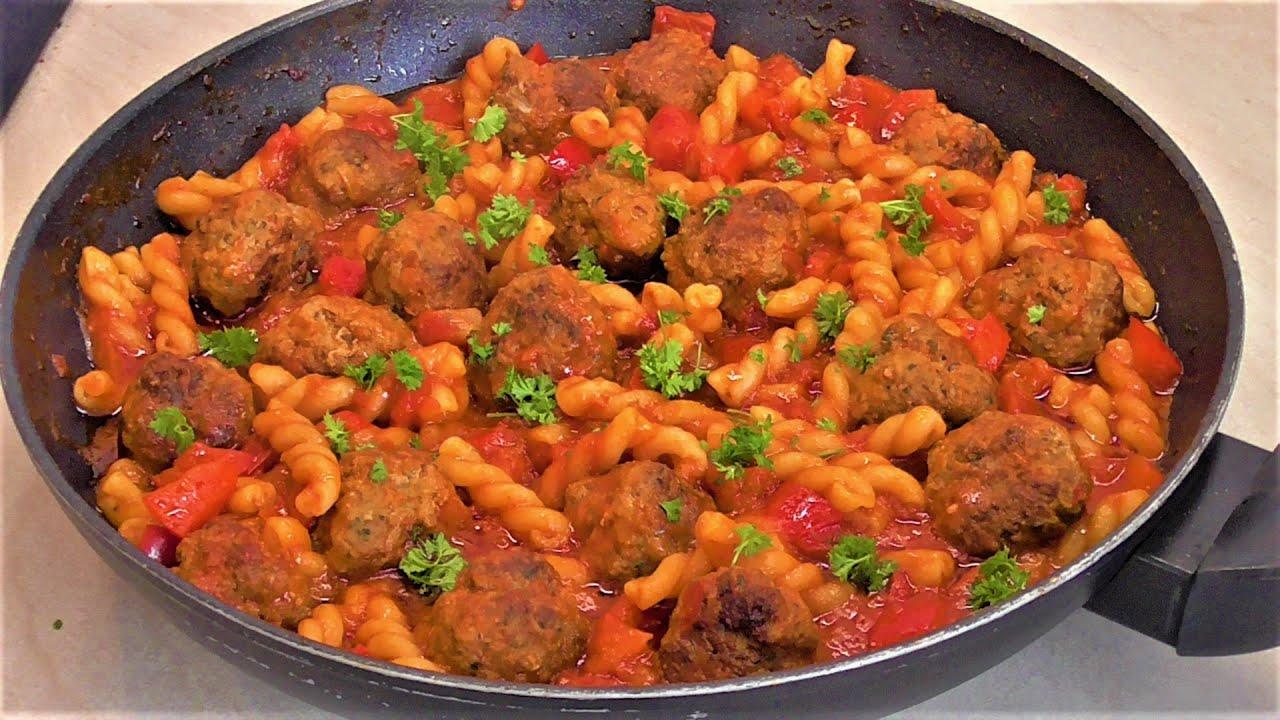 Download Danie jednogarnkowe | Klopsiki w sosie pomidorowo - paprykowym