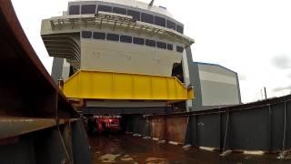 Hms Queen Elizabeth's Bridge Leaves The Build Hall - Time Lapse