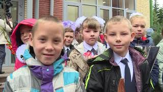 Александр Бурков открыл в омском селе ультрасовременную школу, построенную на частные инвестиции
