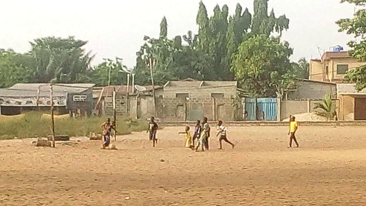 Ce jeu qui rappelle notre enfance au foot. Trinité Singbo