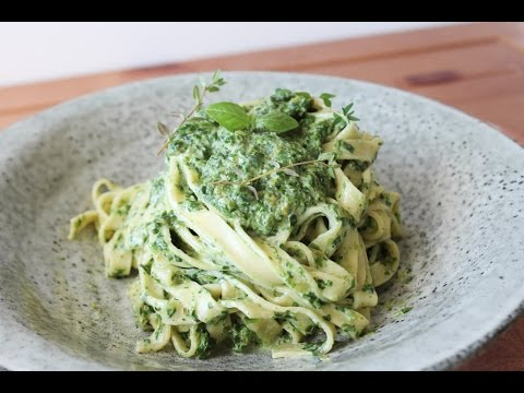 How To Make A Cream Cheese Spinach Sauce With Pasta - By ...