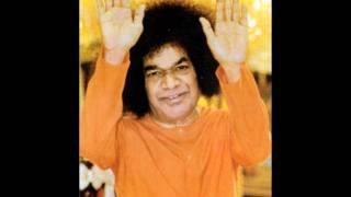"""""""Ananda Maya Bhagavan""""- Prashanthi Mandir Bhajan"""