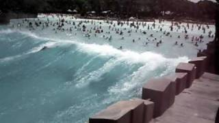 Typhoon Lagoon wave pool (best vid)