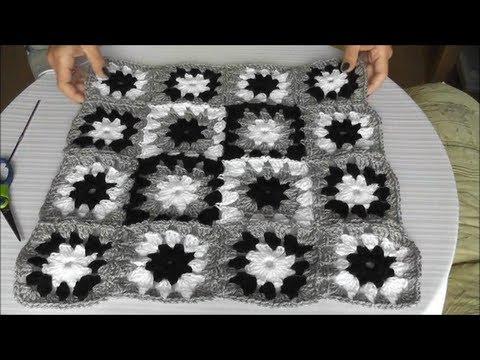 Patchwork Häkelkissen - Mehrfarbiges Muster, Quadrate zusammenhäkeln ...