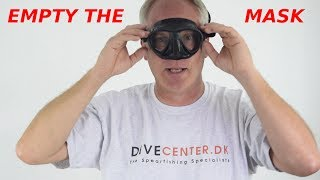 How to empty a diving mask underwater