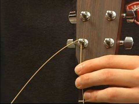 how to string a guitar how to put guitar strings in the tuning pegs youtube. Black Bedroom Furniture Sets. Home Design Ideas