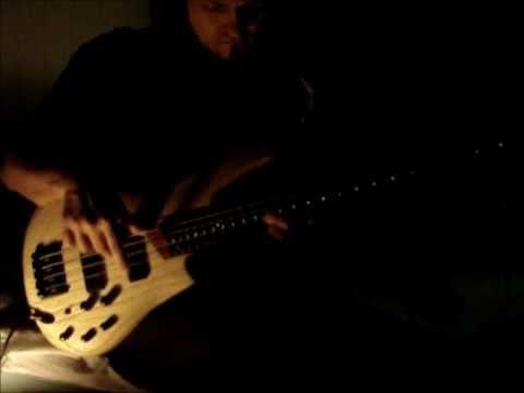 Bor playing the Ibanez SR600