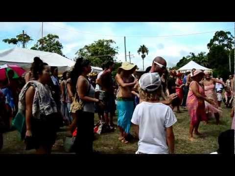 Dancers, Byron Bay Markets. Jan 2013
