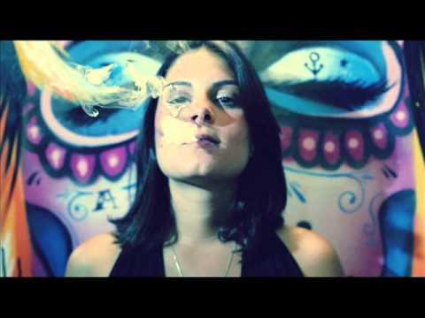 Cacife Clandestino : Beija - Flor