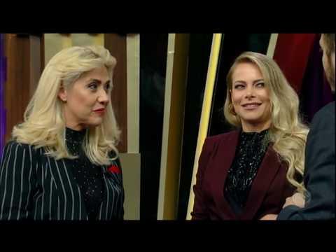 Jackeline Petkovic E Mariane Dombrova Se Divertem No Quadro Telegrama Do Mal